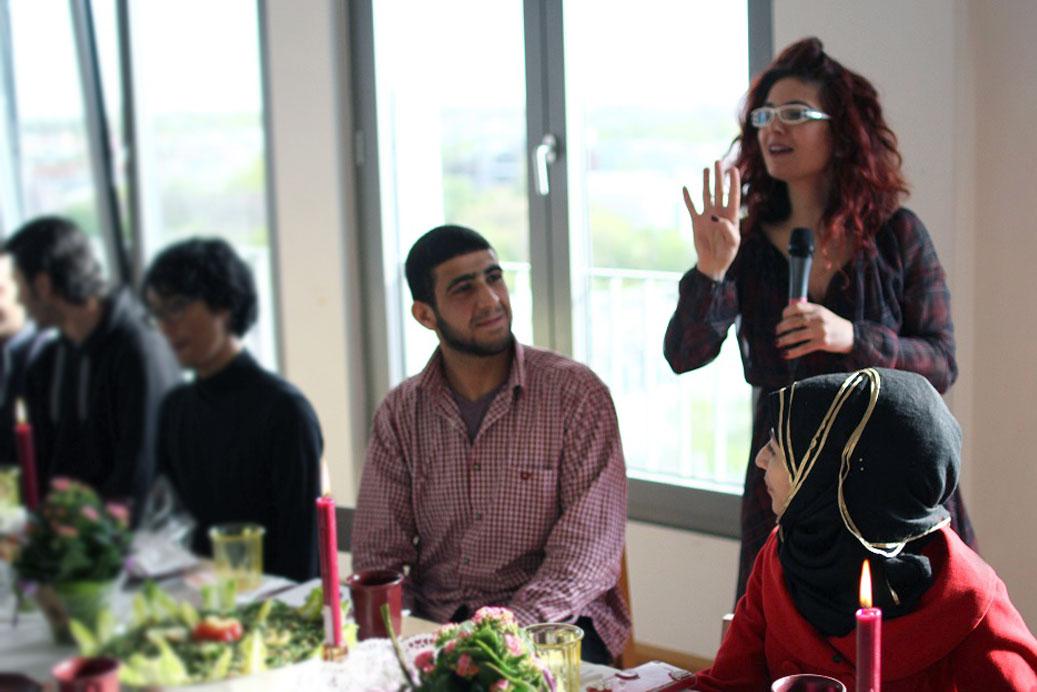 Zusammen schmeckt es besser, Fasahat, Nahed Mansour