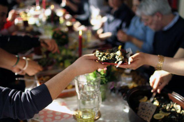 Zusammen schmeckt es besser: Gerichte &Geschichten